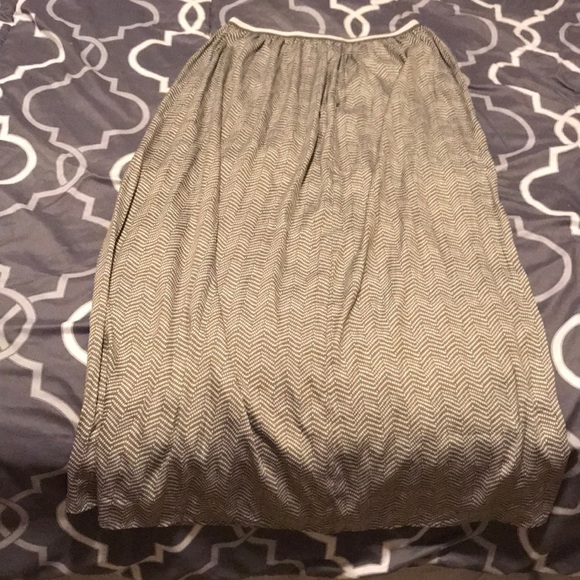 Old Navy Dresses & Skirts - Old Navy Silky Skirt